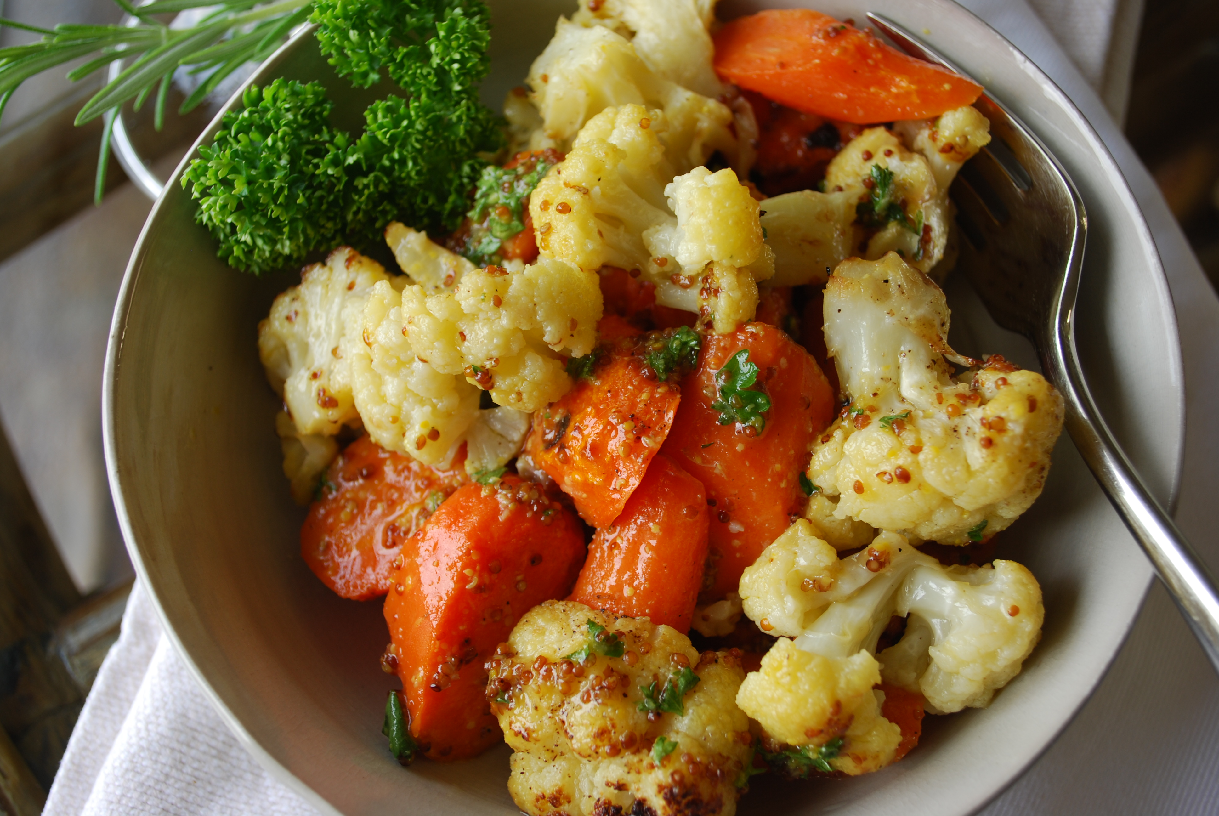 Roasted Cauliflower And Carrots In Mustard Sauce Mediterranean Diet Recipes In 5 Steps Or Less